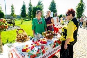 Фестиваль меда, вина и сыра